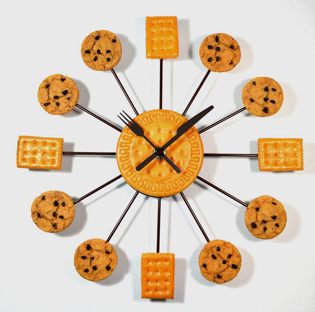 Cookies wanduhr k chenuhr kekse besteck als zeiger ca - Wanduhr zeiger ...